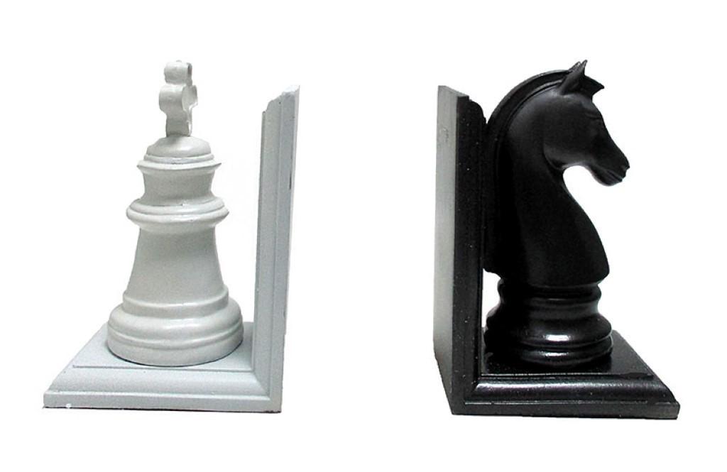 غش-گير-كتاب-طرح-شطرنج-سياه-و-سفيد