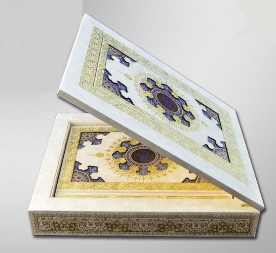 =قرآن(هليا)عثمان-طه-وزيري-جعبه-دارچوبي-سفيدقمشه-اي166