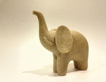 مجسمه فيل متوسط هيرمند