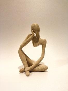 مجسمه زن هيرمند